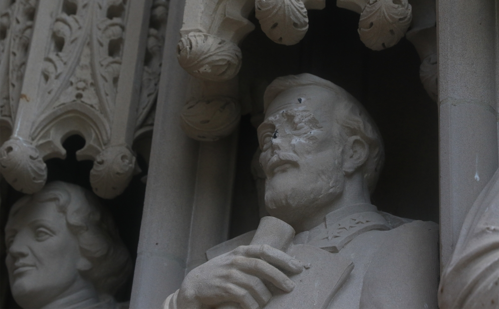 Lee Statue Vandalized at Duke