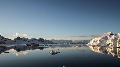 Nacht im Eis der Antarktis