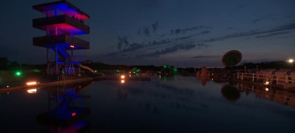Naturbad Panorama am Abend