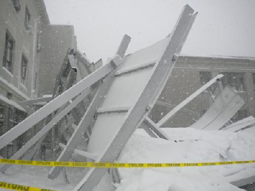 Snow collapses canopy between Mary Graydon Center and Battelle-Tompkins