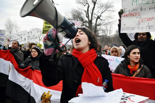 Students protest at Egyptian Embassy, White House