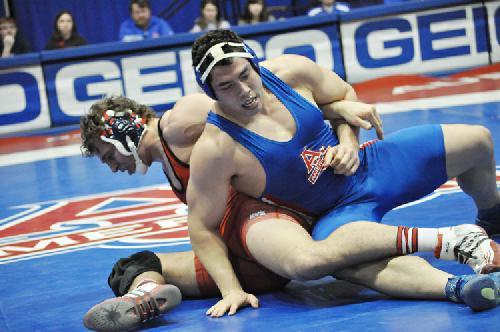 Wrestling falls to Maryland, 19-17