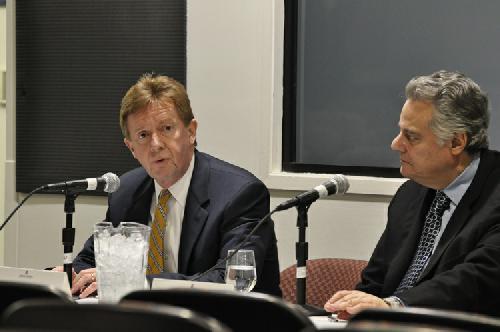 Kerwin discusses Aramark, Campus Plan at town hall
