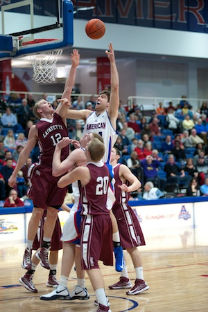 Men's basketball falls to Bucknell at buzzer, holds off Lafayette in win