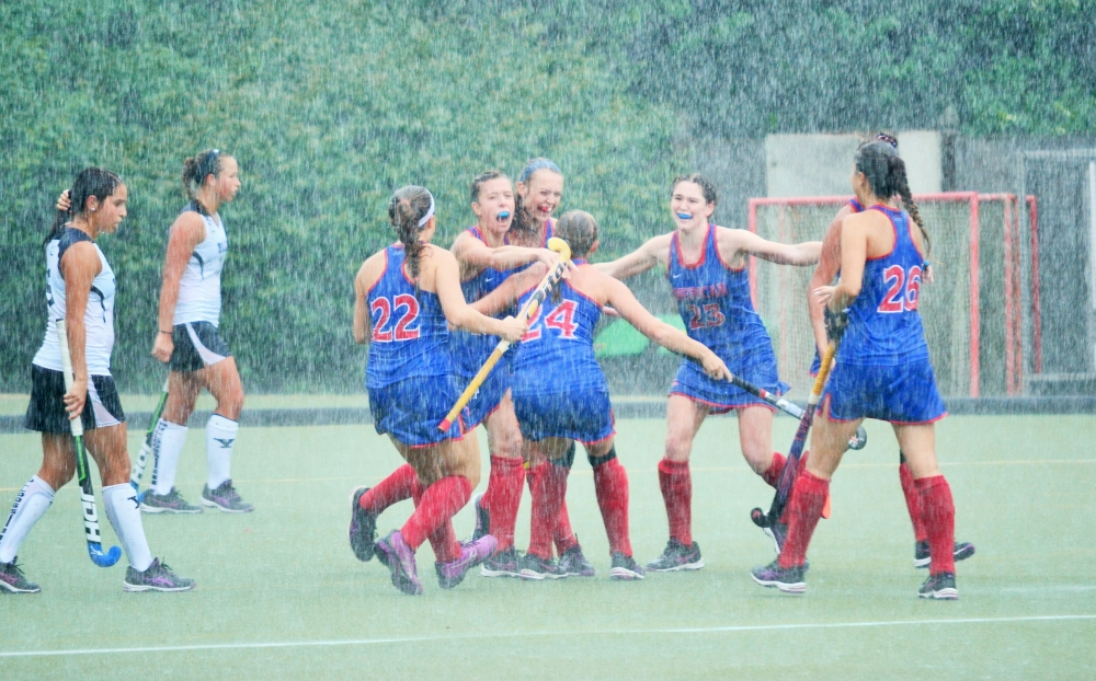 Field hockey pushes past Yale 1-0 in rainy conditions
