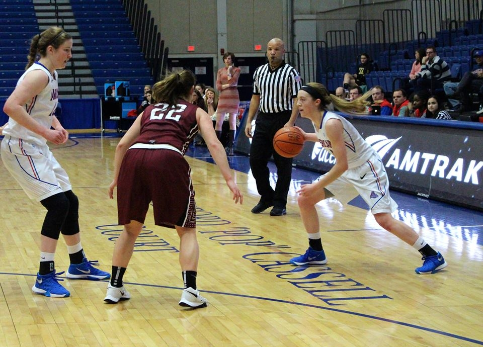 Women's basketball falters again, loses early lead against Lafayette