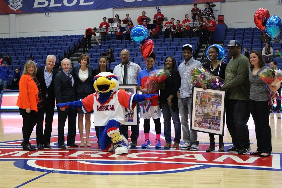 Women's basketball drops to Loyola on Senior Night