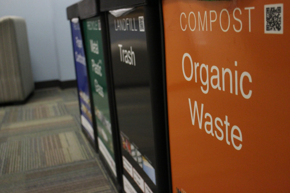 """AU participates in national recycling competition, """"Recyclemania"""""""