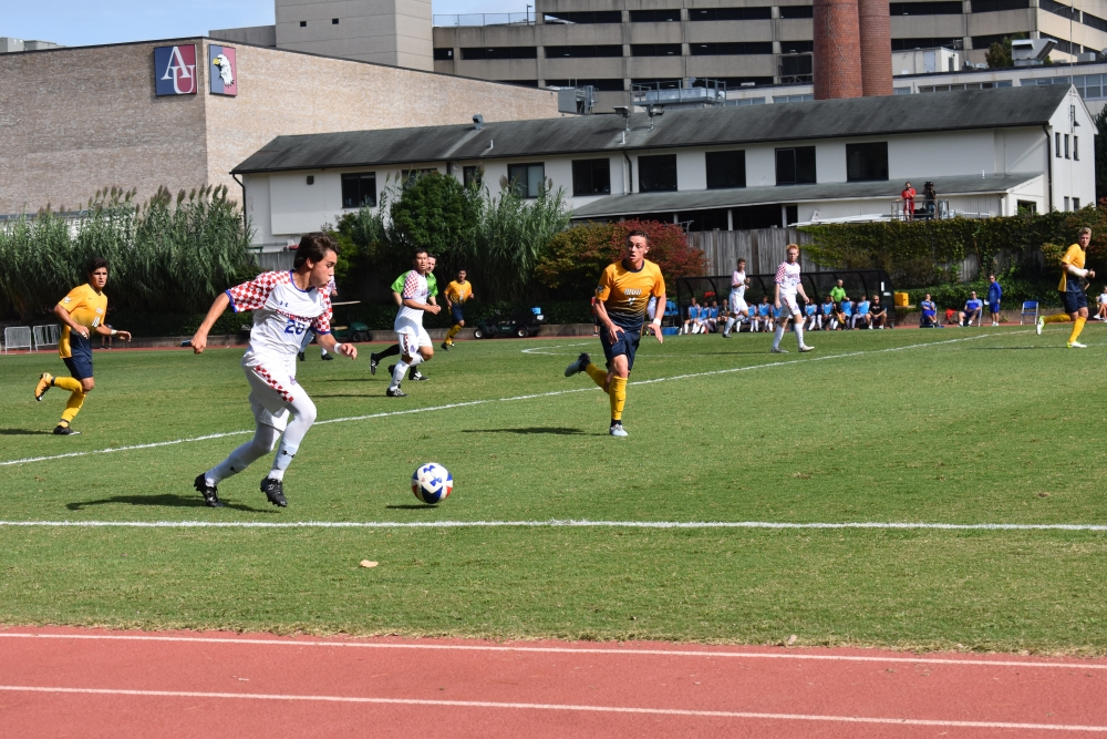 Men's soccer unable to come back from West Virginia's early goals in 3-0 loss