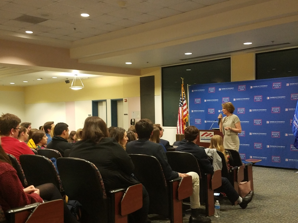 Carly Fiorina talks leadership, gender dynamics of running for office