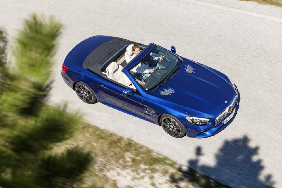 Mercedes-Benz SL 500. Brilliant blue with AMG Line.