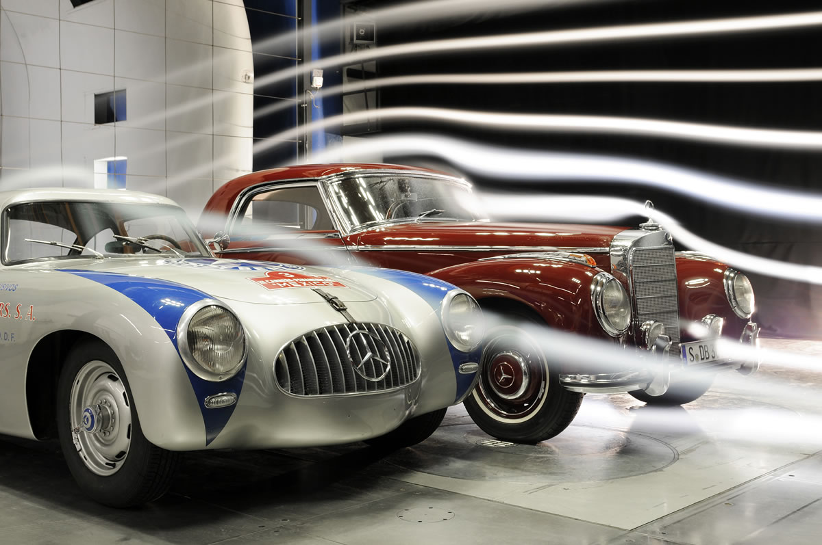 Wind tunnel measurements for Mercedes-Benz Classic, Mercedes-Benz 300 SL (W 194 series, 1952) compared with a model 300 S (W 188 series, 1951 to 1958)