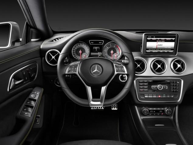 2014 Mercedes-Benz CLA 250 interior steering wheel