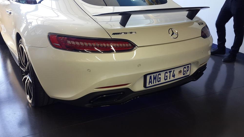 Can the Mercedes AMG GT Better the Porsche 911