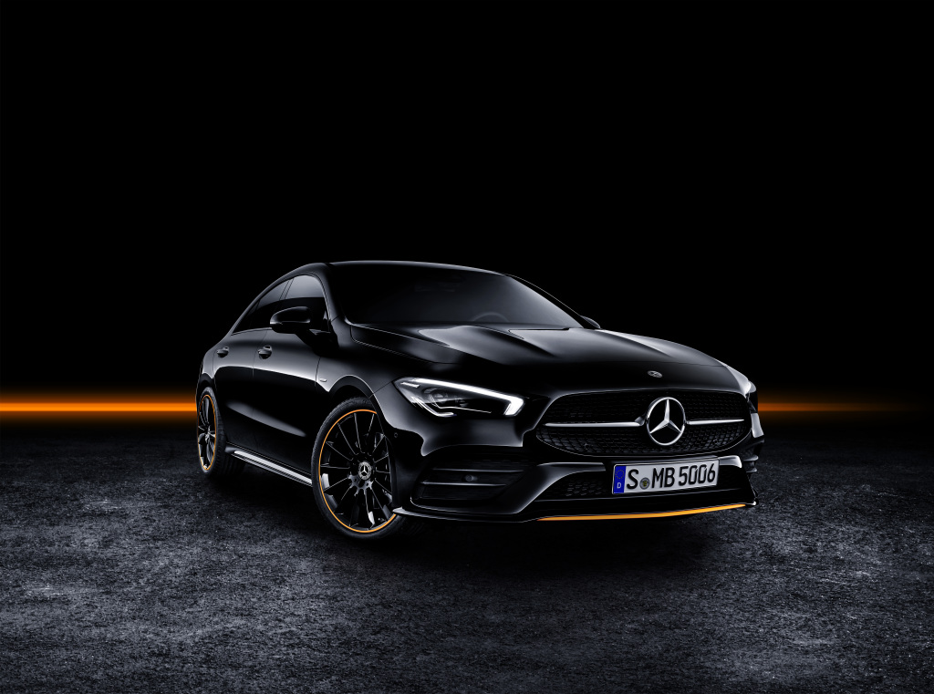 Mercedes-Benz CLA, Edition Orange Art, AMG Line, cosmos black.