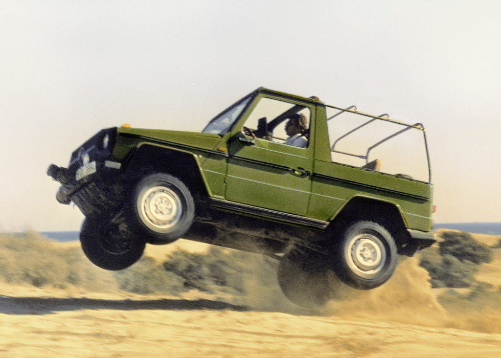 """Mercedes-Benz """"G"""" model from model series 460, open vehicle. Photograph from 1979."""