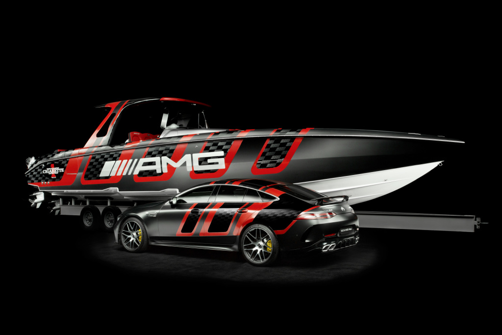 The 41' AMG Carbon Edition is powered by four Mercury Racing 400R outboard engines.