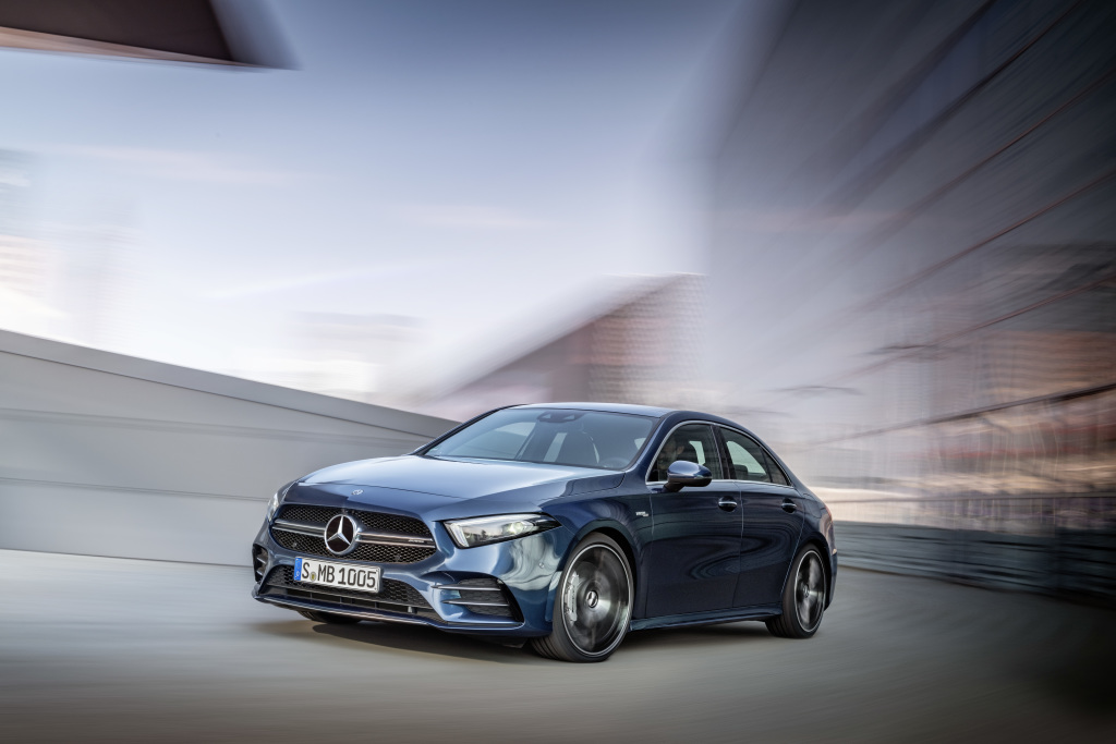 Mercedes-AMG A 35 4MATIC Saloon, denim blue;Combined fuel consumption 7.3-7.2 l/100 km; combined CO2 emissions 167-164 g/km*