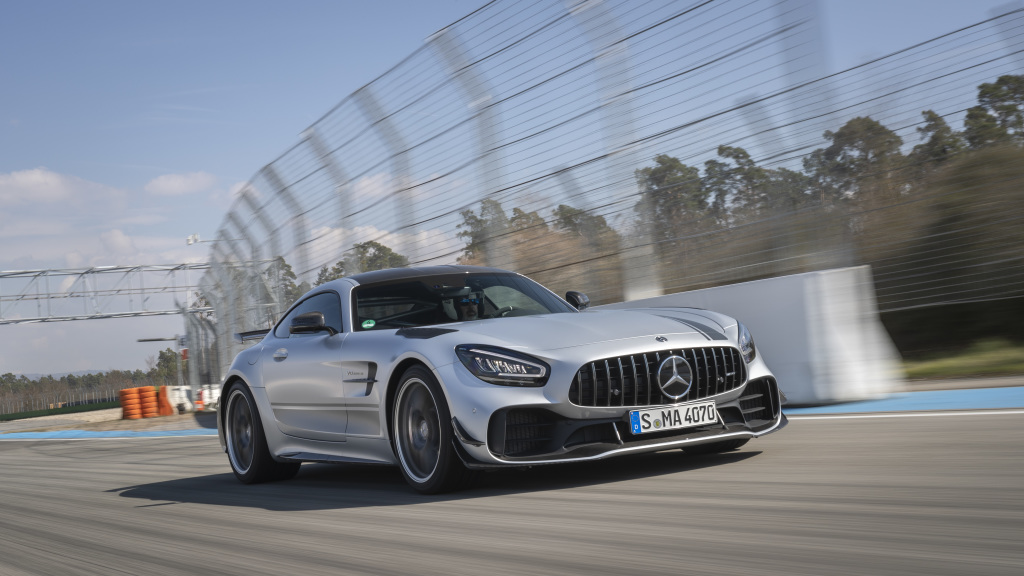 Mercedes-AMG GT R PRO; designo iridium silver magno; Exclusive nappa leather / micro fiber DINAMICA black with contrasting topstitching graphite gray;Fuel consumption combined: 12.4 l/100 km; Combined CO2 emissions: 284 g/km*