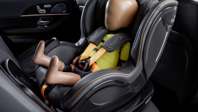 Experimental Safety Vehicle (ESF) 2019 - PRE-SAFE® Child: Connected child safety seat with PRE-SAFE® functions – extended protection for the little ones.