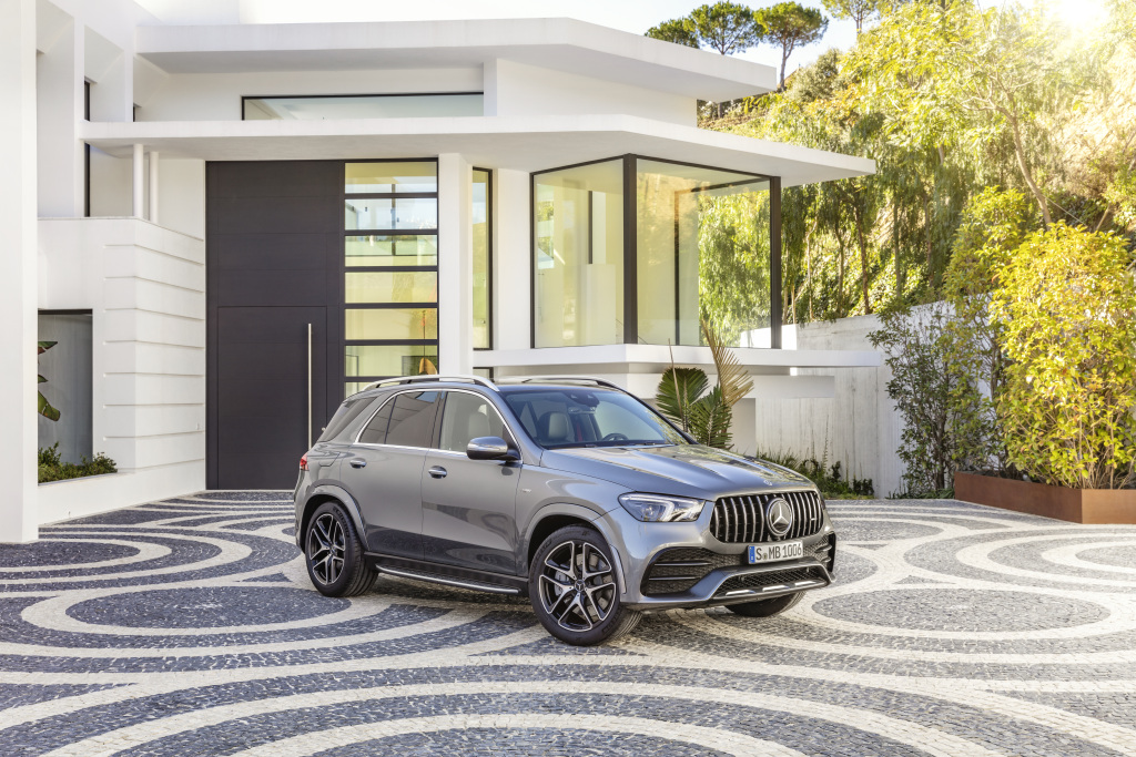 Mercedes-AMG GLE 53 4MATIC+ (2019), selenite grey;Combined fuel consumption: 9.3 l/100 km, combined CO2 emissions: 212 g/km*