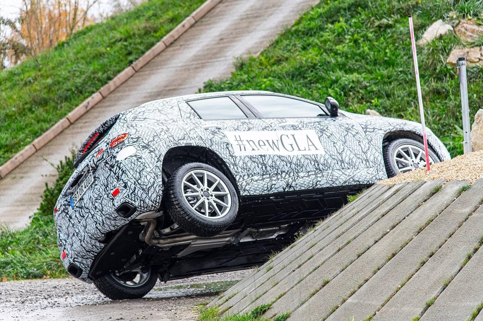2021 Mercedes-Benz GLA Off-road