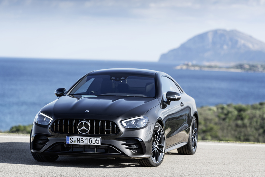Mercedes-AMG E 53 Coupé (combined fuel consumption: 8,9-8,6 l/100 km, combined CO2 emissions: 204-198 g/km), 2020, Outdoor, front, dynamic, Night package, Carbon package II, exterior: graphitgrey metallic;combined fuel consumption: 8,9-8,6 l/100 km, combined CO2 emissions: 204-198 g/km