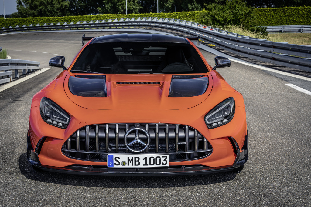 Mercedes-AMG GT Black Series, 2020, exterieur, race track, magmabeam;Combined fuel consumption: 12,8 l/100 km, combined CO2 emissions: 292 g/km*