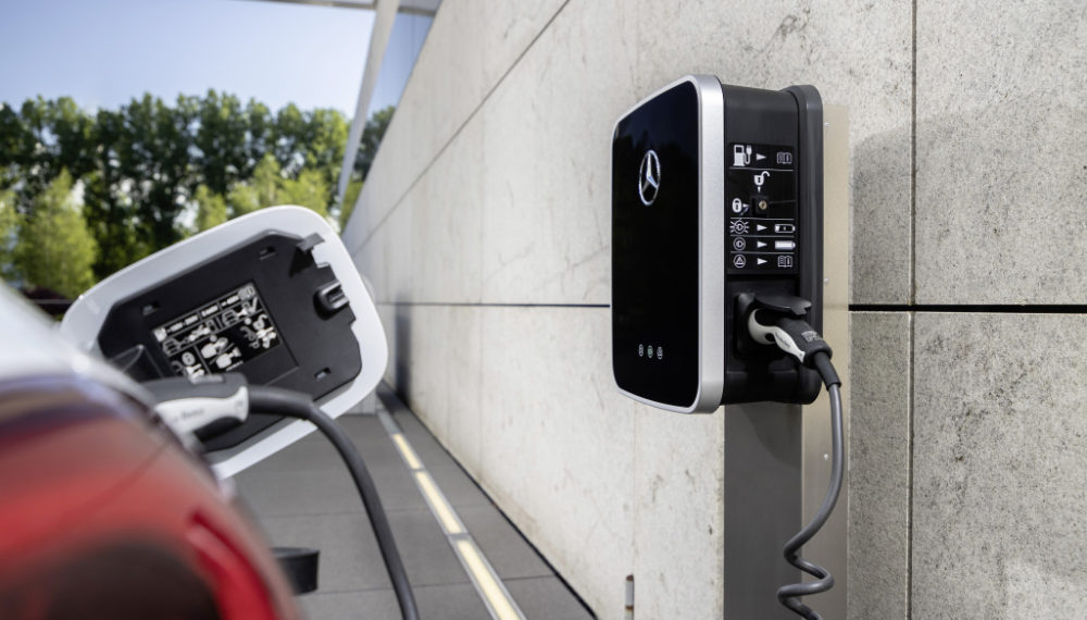 Mercedes-Benz Aims to Coach You on Eco-Friendly Driving Techniques
