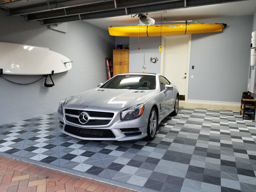 Swisstrax Ribtrax Pro Flooring Gray and Silver