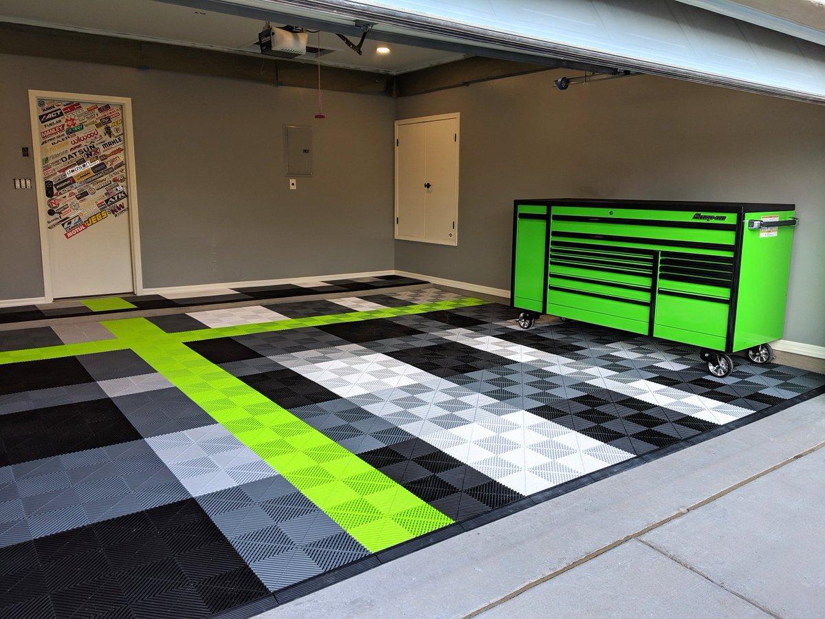 Swisstrax Ribtrax Pro Flooring Black and White