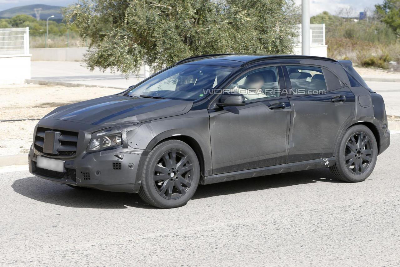 2014 Mercedes GLA Spy Photos