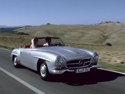 A very special way to enjoy roadsters: 190 SL in Tuscany.