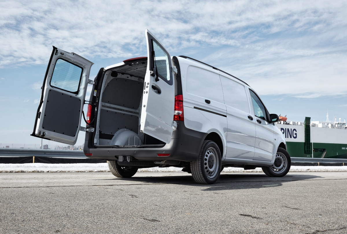 Mercedes-Benz Metris Van – Not Too Big, Not Too Small ...
