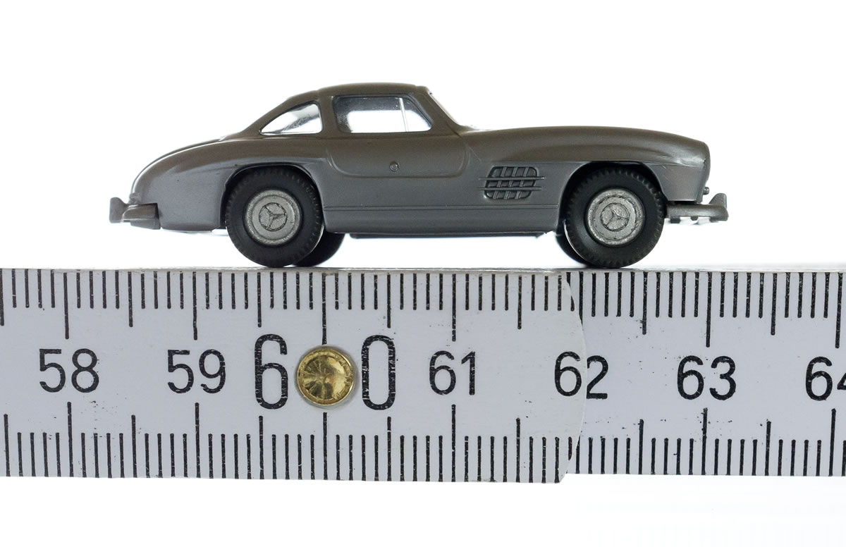SL tradition in model form: Mercedes-Benz 300 SL Coupé' model series W 198 I, scale 1:87