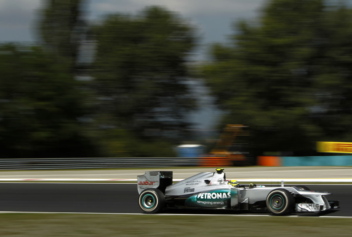 mercedes amg petronas f1 team notes disappointing results. Black Bedroom Furniture Sets. Home Design Ideas