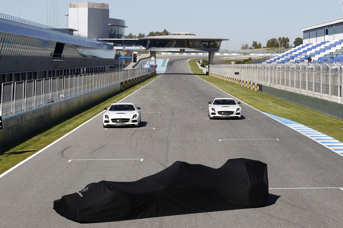 2013 Formula One W04 Car Unveiled