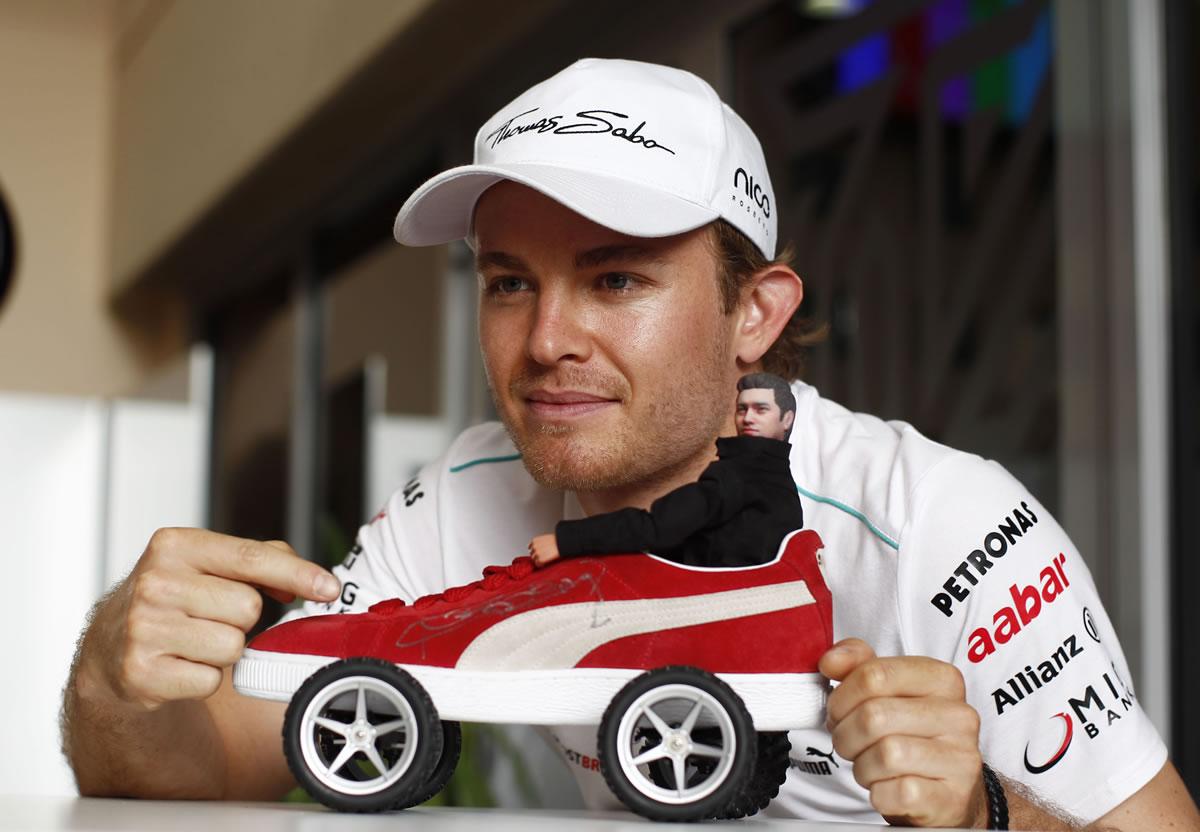 Nico Rosberg and Michael Schumacher Score Points in Bahrain Grand Prix