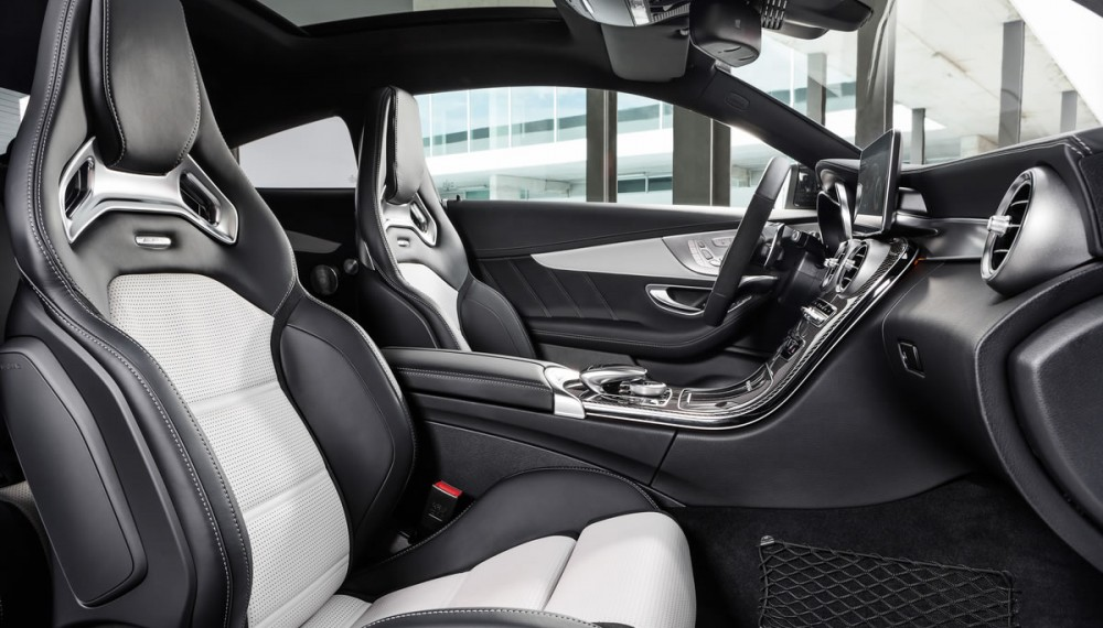Mercedes-AMG C 63 Coupé Inside and Out - Video