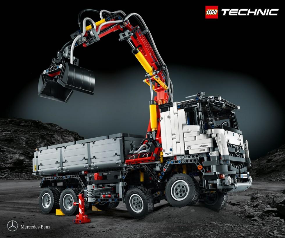 Mercedes-Benz Lego Truck