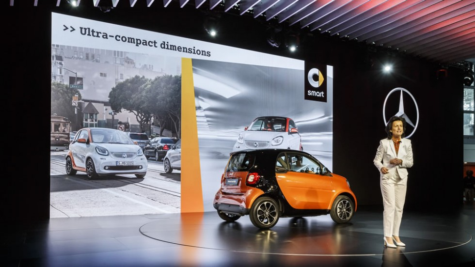 Dr. Annette Winkler, Head of smart, at the US market premiere of the new smart fortwo.
