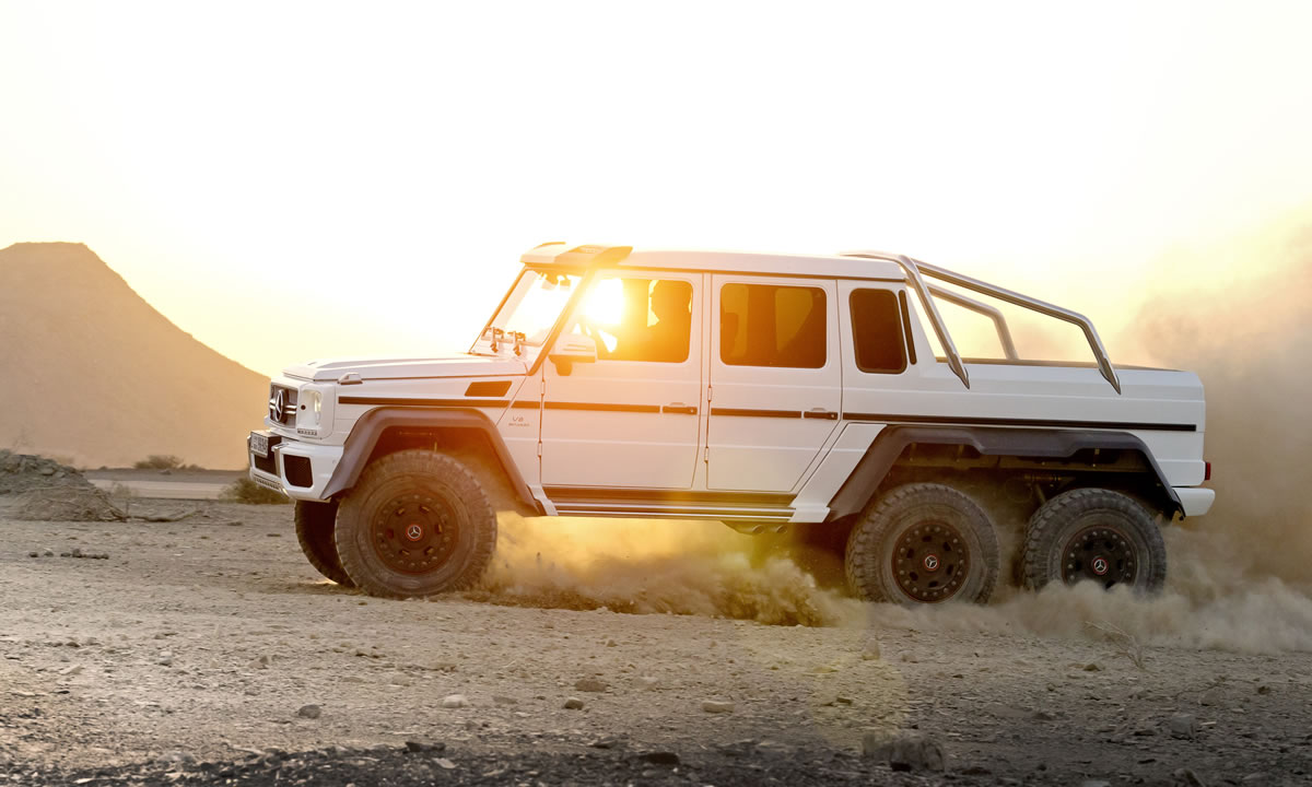 Mercedes G63 AMG 6X6 Gets Stuck