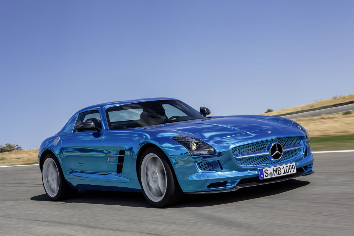 Mercedes-Benz SLS AMG Coupe Electric Drive at 2012 Paris Motor Show - Video Update