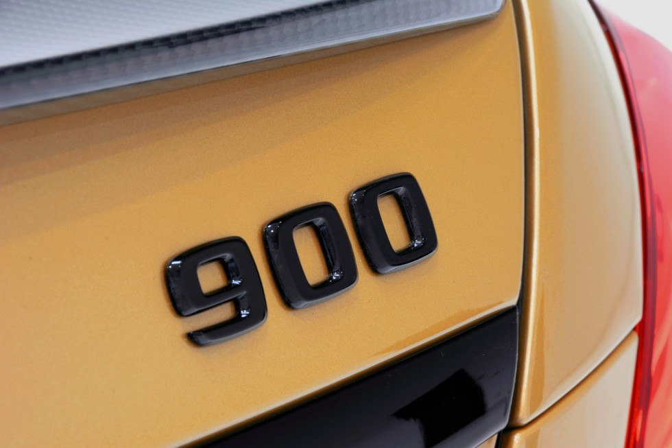 "BRABUS ROCKET 900 ""DESERT GOLD"" Edition"