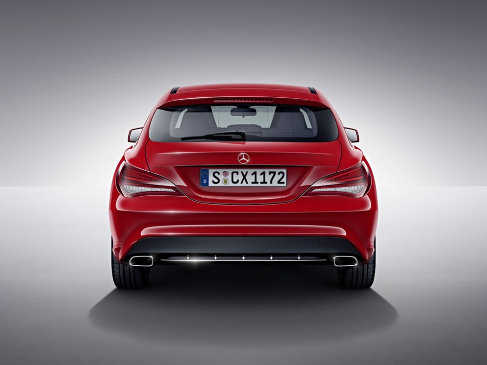 Mercedes-Benz CLA Shooting Brake, jupiter red, studio