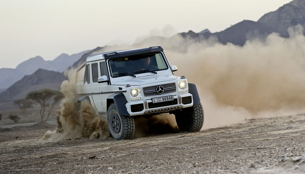 Mercedes G63 6x6 AMG Keeps Up With Supercars on the Track