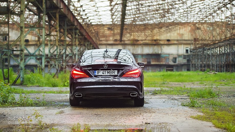 2014 Mercedes-Benz CLA 200 with AMG Package