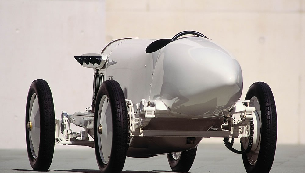 """200 hp Benz, called """"Blitzen-Benz"""", a record-setting car from the year 1909"""