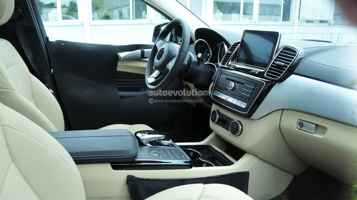 Mercedes-Benz MLC Interior Spied
