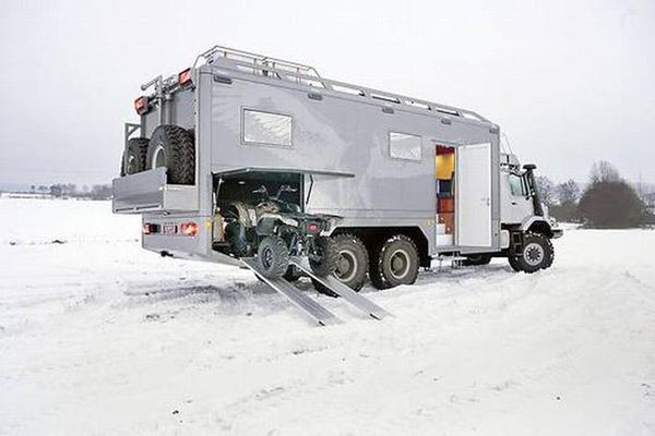 The Perfect Post Apocalyptic Vehicle